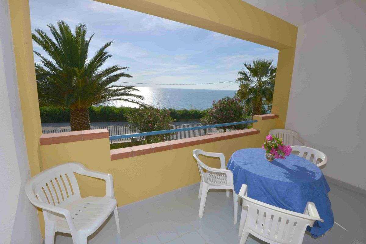 Offerte vacanze in residence sul mare in sicilia sud for Case arredate in affitto sciacca